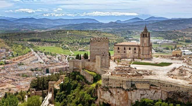 Fortaleza de la Mota, historia y curiosidades turismo Jaén