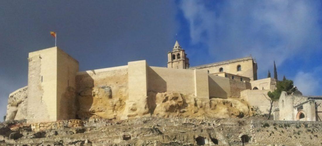La ministra de Fomento inaugurará la rehabilitación de las murallas de la Mota