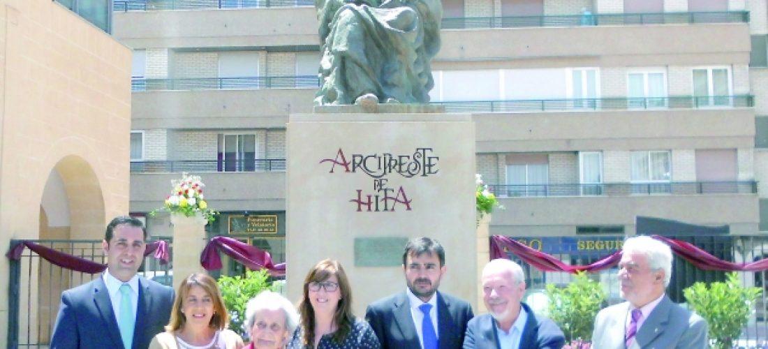 Una escultura del Arcipreste de Hita preside ya Capuchinos