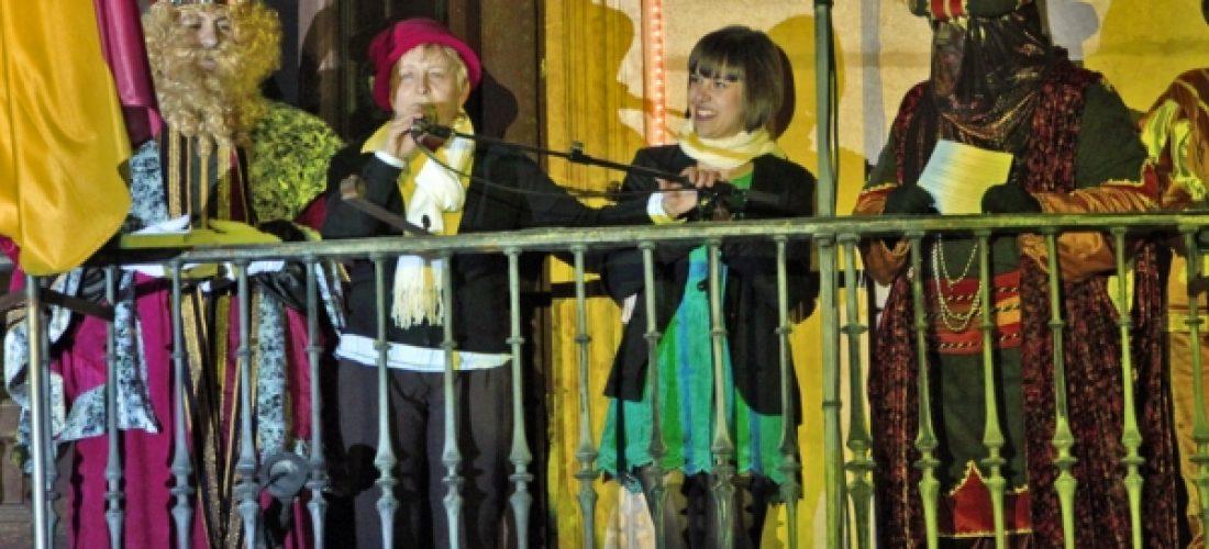 La ilusión de los Reyes Magos llenó las calles de Alcalá con regalos