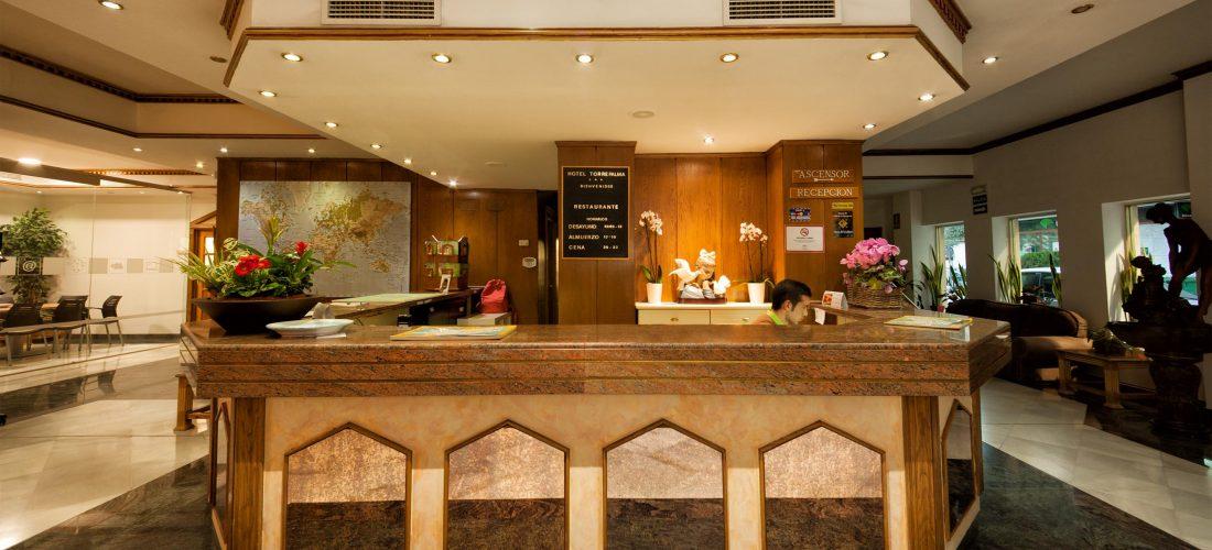 Conociendo a Bea, staff Hotel Torrepalma