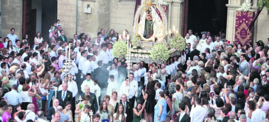 Manifestación multitudinaria de devoción a la patrona