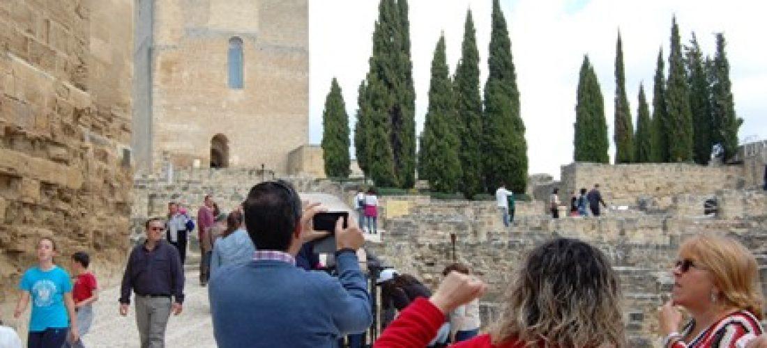 Gran afluencia de visitantes a la Fortaleza de la Mota en el Día Internacional de los Monumentos y Sitios Patrimoniales